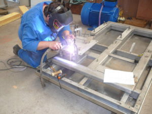 Fabrication de chassis de la motopompe dans notre atelier