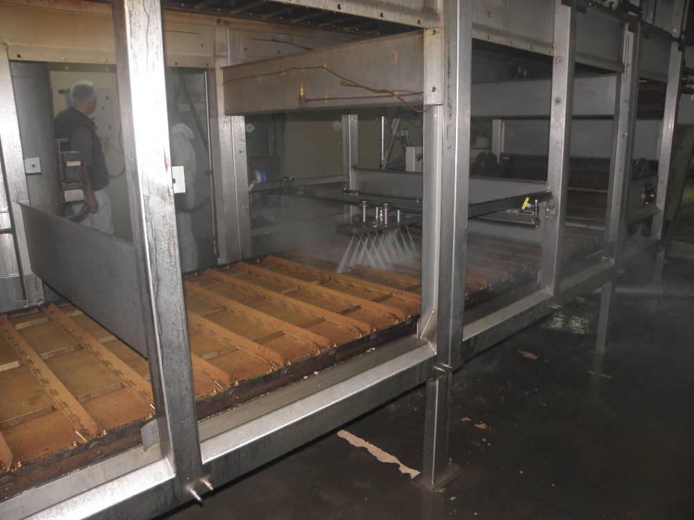machine pour le nettoyage automatique d un tapis de transport de c 233 r 233 ales