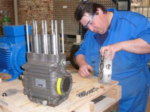 montage de la pompe hp dans notre atelier de Bailleul (France)